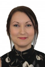 Karolina-Headshot